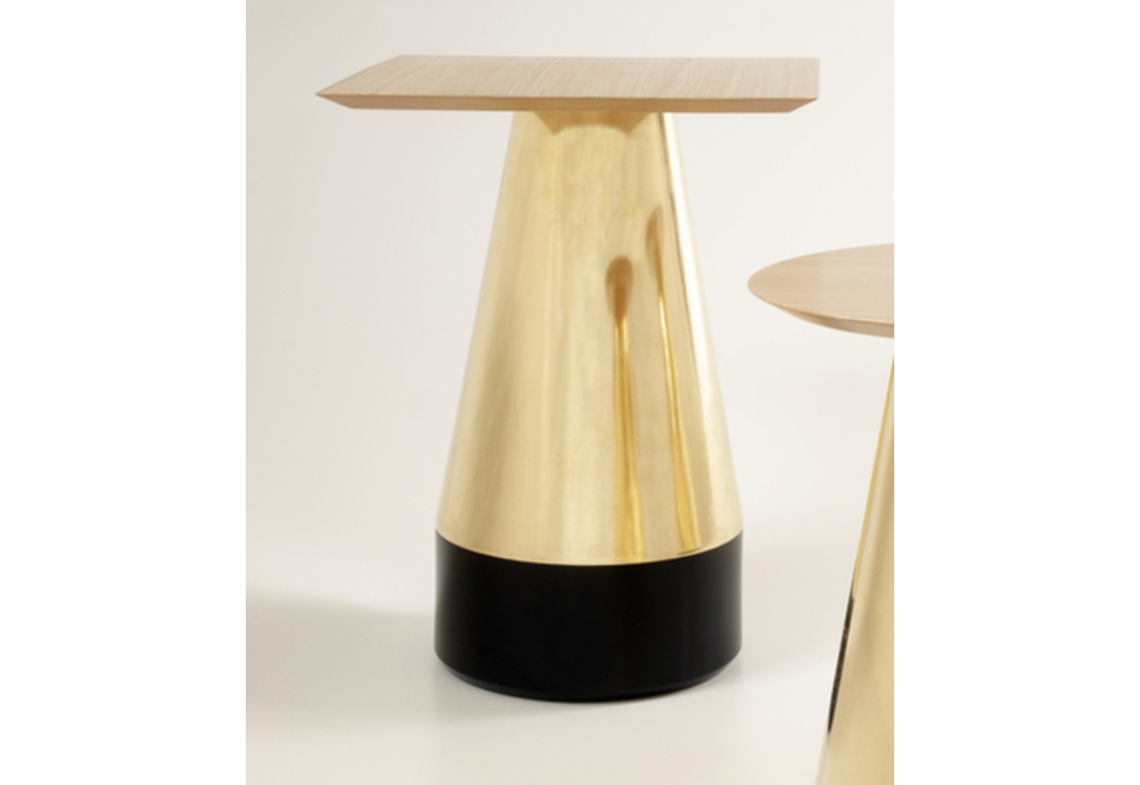 Golden pedestal 1