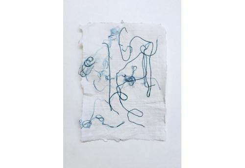 Petits papiers blanc et fils de soie - Bleu