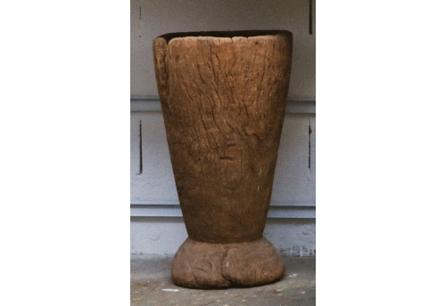Grand mortier en bois