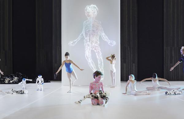 Amélie with Zeuxis galerie d'art présentent le programme de la Nuit Blanche